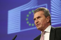 economía circular, plástico, tasa europea sobre plásticos, comisario, Oettinger, impuesto, productos plásticos, envases plásticos