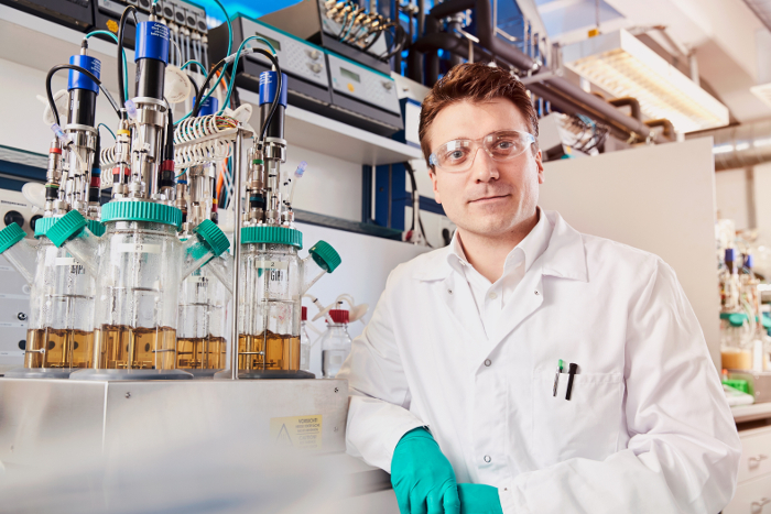 Technology Review, anilina, biomasa, Markus Steilemann, empresas innovadoras, ranking, Bayer AG, CAT Catalytic Center de RWTH Aachen University, Universidad de Stuttgart, Ideas innovadoras y avances pioneros, Covestro,