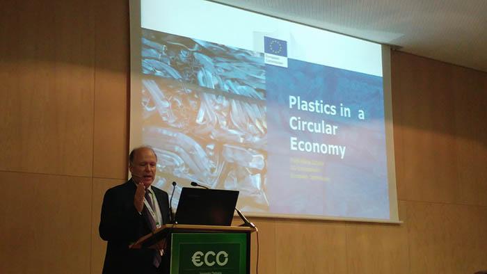 plásticos en economía circular, Hugo Schully, Comisión Europea, ecodiseño, industria del plástico, reciclado de plásticos, circularidad, recuperación de plásticos, medidas economía circular, Aimplas, Equiplast, Cicloplast, PlasticsEurope