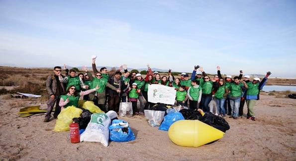 Acción de Cicloplast en el Delta del Llobregat