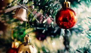 felices fiestas, mundoplast, feliz navidad, arbolito de plástico, bolas de plástico, navidad, feliz año 2019, revista mundoplast, felicitación navideña