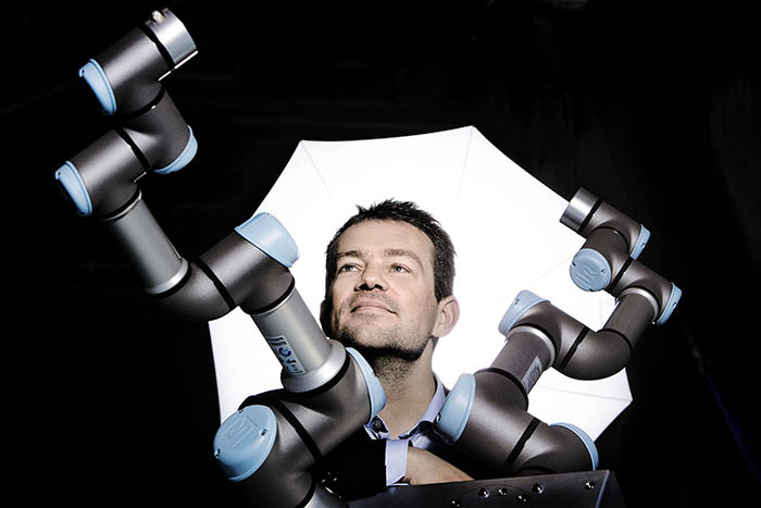 universal robots, décimo aniversario, cobots, sector del plástico, robótica colaborativa, diez años, logros, liderazgo, esben ostergaard