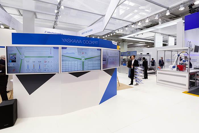Yaskawa Cockpit, advanced factories 2019, yaskawa ibérica, feria de innovación, industria 4.0, cobot, robot, industria, plásticos, automatización, smart Series, robot HC10