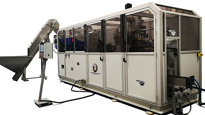 MiPET 2PN, sopladora de pet, preformas de pet, maquina de soplado de plástico, soplado de plástico, meccanoplastica, meccanoplastica ibérica, botellas de pet, producción, velocidad, producción, 4.000 botellas por hora, molde de dos cavidades, Angola, packaging, envase