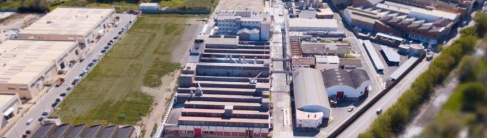 Ercros amplía la capacidad de producción de polvos de moldeo en Barcelona