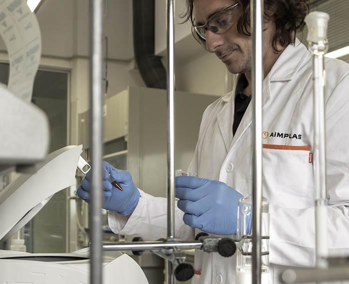 plásticos, materiales poliméricos inteligentes, cáncer de próstata, aimplas, proyecto Moisés, proyecto MRFID. plásticos médicos