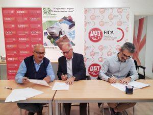 Firma del concenio colectivo del plástico en Valencia