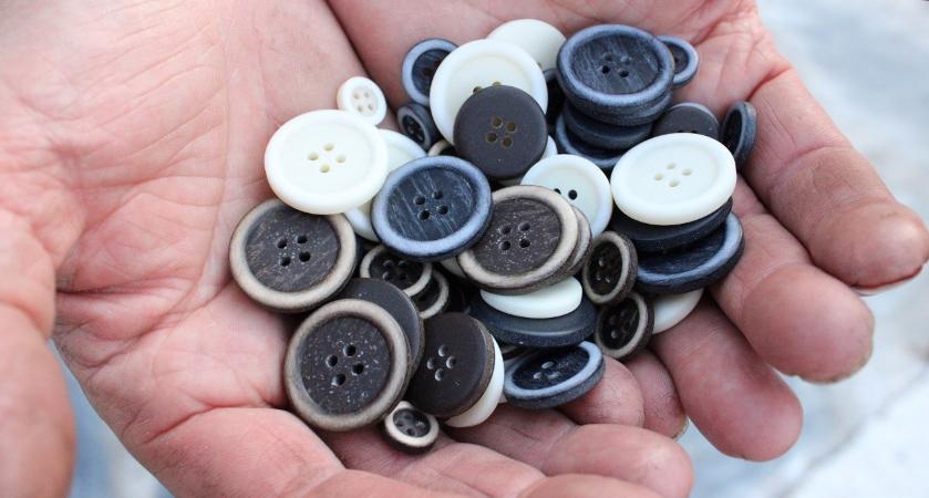 Botones a partir de poliéster reciclado