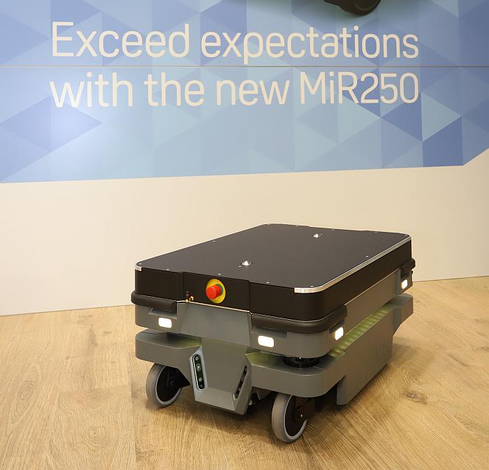 Mobile Industrial Robots lanza el nuevo robot MiR250