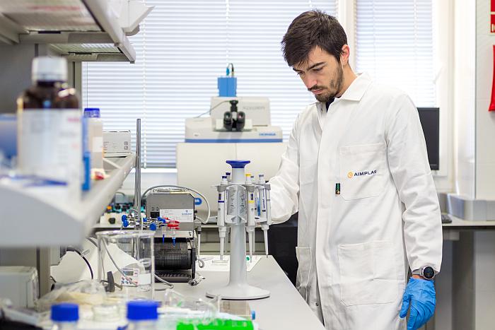 El proyecto BioICEP busca acelerar la degradación del plástico tradicional