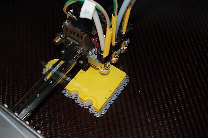 Nuevos materiales para electrónica aditiva por impresión 3D