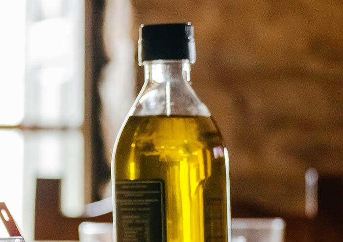 Contra la prohibición de los envases plásticos para el aceite virgen extra